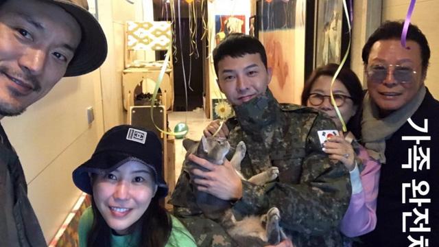Anh rể tài tử ra phim mới, G-Dragon lập tức gửi quà với lời nhắn đáng yêu: Em vợ đáng yêu nhất quả đất là đây chứ đâu! - ảnh 4