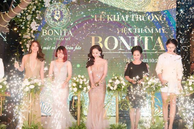 Chân dung nữ Phó giám đốc chi nhánh xinh đẹp vừa bị khởi tố tội chiếm đoạt tài sản của TPBank - ảnh 2