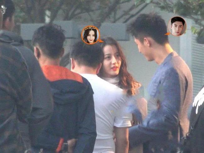 """Địch Lệ Nhiệt Ba hôn Hoàng Cảnh Du nồng nhiệt, nhưng netizen chỉ quan tâm đến trai đẹp """"Trần Tình Lệnh"""" là sao ta? - Ảnh 9."""