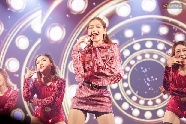 Ngẩn ngơ nhìn lại thời mới debut của dàn sao Việt: Sơn Tùng M-TP ngố tàu, Đông Nhi baby cute nhưng gây ngỡ ngàng nhất chính là Ngô Kiến Huy - ảnh 1
