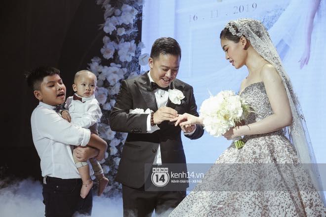 Không chỉ Bảo Thy, đám cưới Giang Hồng Ngọc cũng gây ấn tượng với thực đơn năm châu hội tụ - Ảnh 4.