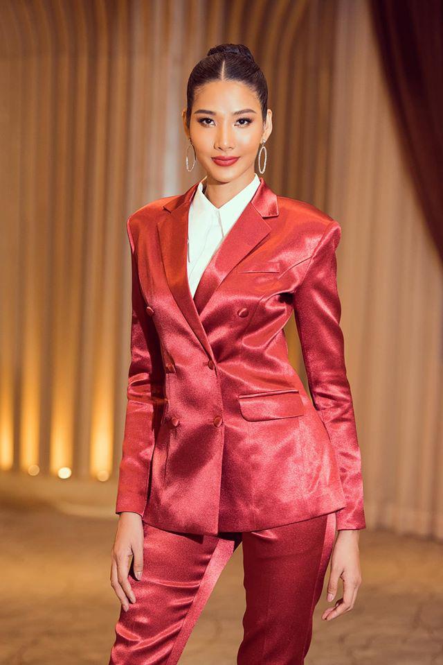 Tương tự Hương Ly, Hoàng Thùy mặc vest đi phỏng vấn thi Hoa hậu và lập tức gây tranh cãi - ảnh 5