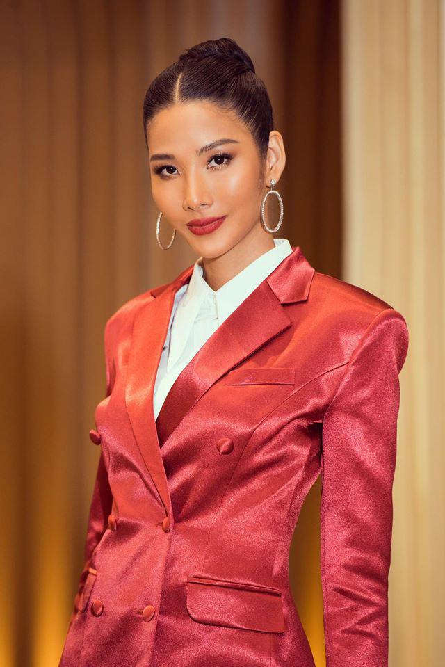 Tương tự Hương Ly, Hoàng Thùy mặc vest đi phỏng vấn thi Hoa hậu và lập tức gây tranh cãi - ảnh 3