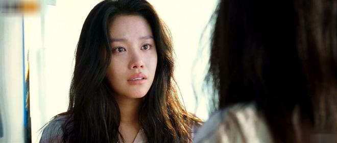 4 mĩ nhân đánh lừa cả thiên hạ trên màn ảnh châu Á: Minh Tú cao tay nhưng chưa bằng cô Ni của Chiếc Lá Bay - Ảnh 12.