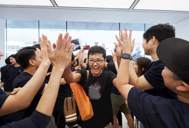 """10 """"mánh lới"""" bán hàng bậc thầy của Apple: Đọc xong mới biết vì sao họ lại thành công đến vậy - ảnh 1"""