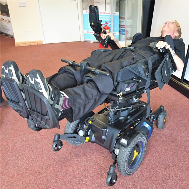Nhà khoa học này muốn nâng cấp cơ thể mình thành một người lai máy tiên tiến nhất trong lịch sử - ảnh 2