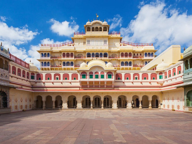 Ông chủ nhà trọ hoàng gia đầu tiên trên Airbnb: 'Rich kid' quý tộc Ấn Độ, 21 tuổi sở hữu 2,8 tỷ USD, cho thuê phòng trong cung điện giá 8.000 USD/đêm - ảnh 3