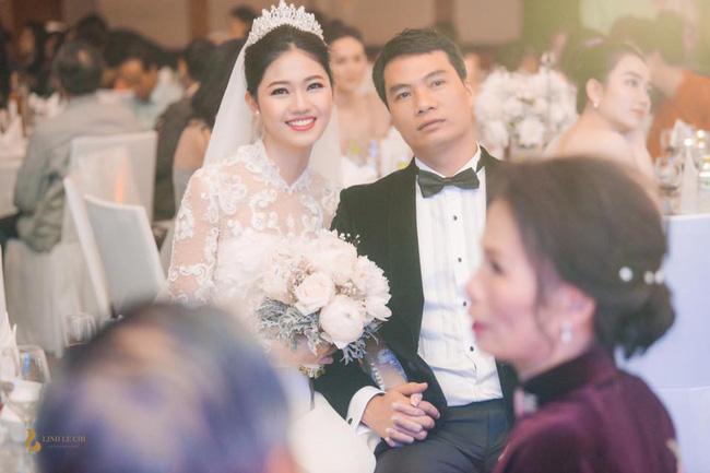 Đến đám cưới Bảo Thy là có thể khẳng định: Hầu hết các cô dâu showbiz Việt đều đu theo xu hướng trang điểm tông cam - ảnh 5