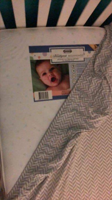 Lắp camera phòng ngủ của con nhỏ, bố mẹ hoảng hồn khi nhìn thấy hình ảnh máy quay thu được - ảnh 7