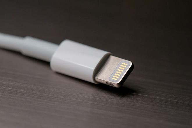 Đây chính là cái gân gà trong cổ Apple, ăn không được mà bỏ cũng không xong - ảnh 1
