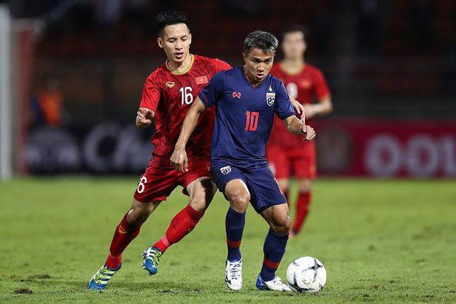 """Ít ai biết Messi Thái Lan sắp đụng độ đội tuyển Việt Nam lại là """"tay chơi"""" nhiếp ảnh chính hiệu: Cầu thủ mà như travel blogger! - Ảnh 2."""