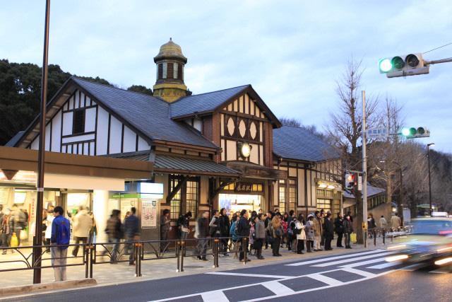 HOT: Nhà ga lâu đời và nổi tiếng bậc nhất ở Nhật Bản sắp bị đóng cửa vĩnh viễn, du khách tiếc nuối đòi giữ lại công trình - Ảnh 2.