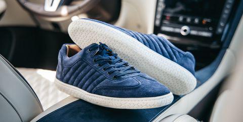 Đi giày cao gót lái ô tô chắc chắn gây nguy hiểm, thà chân đất còn hơn - nhầm tưởng cực lớn có thể khiến người lái xe phải trả giá - ảnh 6