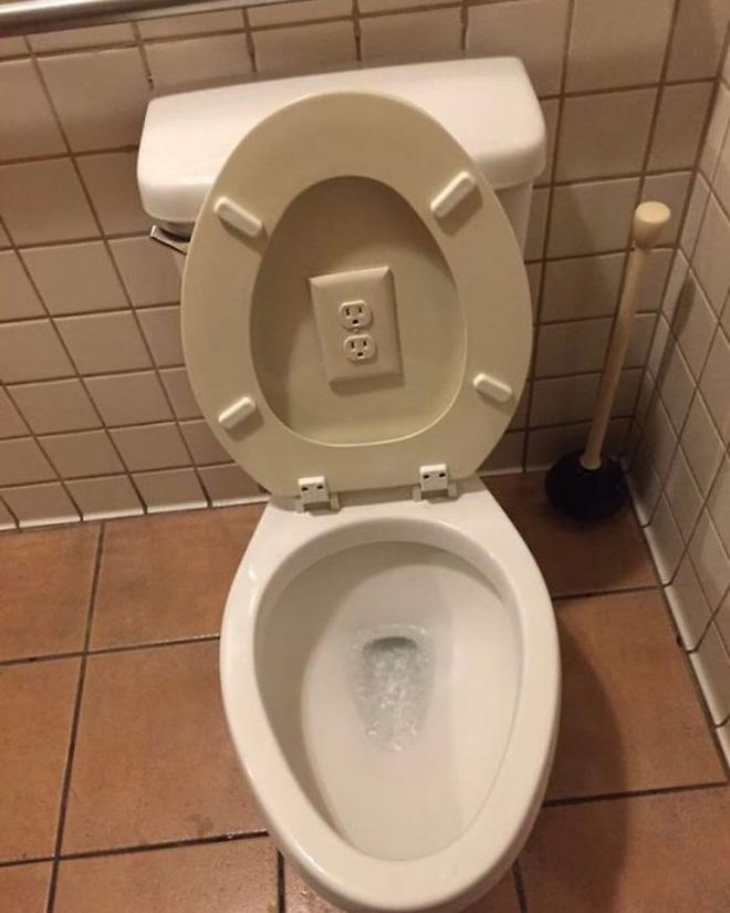 [Chùm ảnh] Internet chết cười với anh thợ điện nước làm ăn chẳng ra sao nhưng bao biện thì lại rất giỏi - ảnh 6