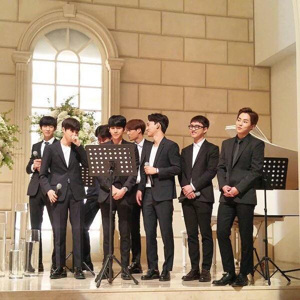 Idol Kpop khoe giọng ở đám cưới: BTS, EXO, TWICE... chiếm trọn spotlight, hạnh phúc nhất là Taeyang khi được cất lên bản hit trước mặt cô dâu của mình - Ảnh 4.