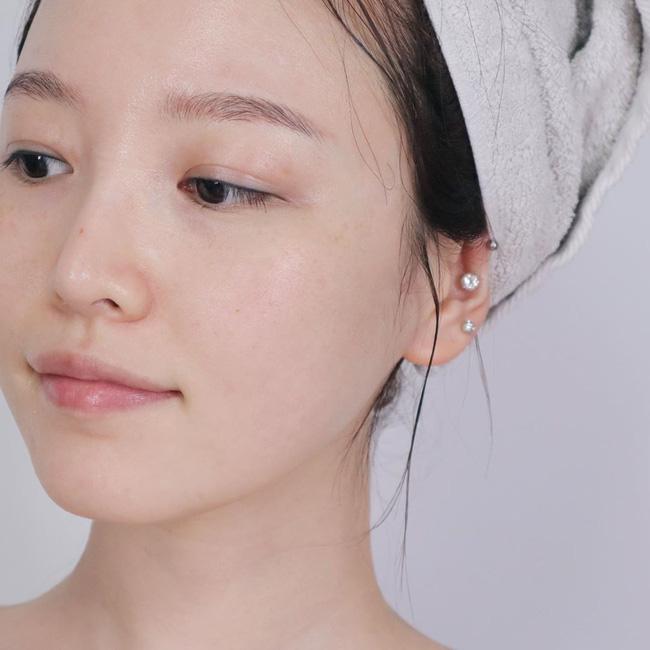 Thiên hạ cứ đồn 4 cách skincare sau là tốt cho làn da vào mùa lạnh, nhưng bác sĩ lại cho thấy điều ngược lại - ảnh 2