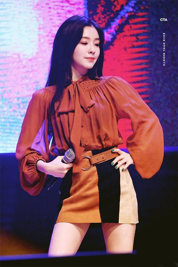 Diện mẫu váy áo đậm chất tiểu thư này, trông bạn sẽ quý phái và yêu kiều hệt như các mỹ nhân Kbiz vậy - ảnh 4