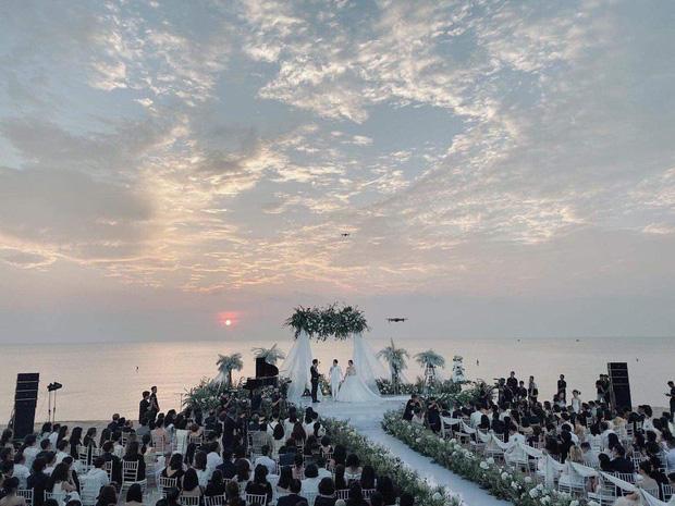 5 cái nhất chỉ có ở đám cưới Đông Nhi - Ông Cao Thắng: Sốc với độ hoành tráng, 10 năm thanh xuân chỉ cần bấy nhiêu là đủ! - Ảnh 14.