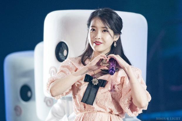 Những pha vung tiền của nữ đại gia Kbiz IU: Tiện tậu biệt thự 43, ngốn 400 triệu vì TWICE, tặng quà khiến G-Dragon sốc - ảnh 3
