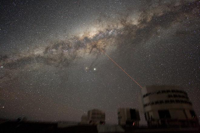 Lần đầu tiên khoa học chứng kiến gió thiên hà trải dài tới cả ngàn năm ánh sáng. Khoảng vài năm nữa thôi, Dải Ngân hà cũng chứng kiến cảnh tương tự! - ảnh 3