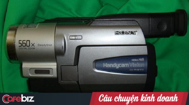 Scandal máy quay nhìn xuyên quần áo: Nỗi hổ thẹn của Sony dù dân tình đua nhau đặt hàng, doanh số tăng hơn 100% - ảnh 1