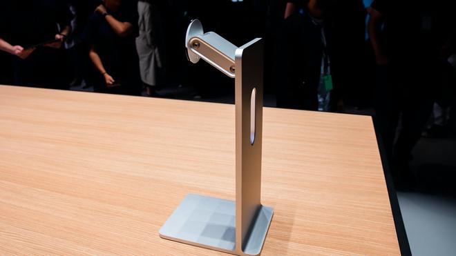 Đẳng cấp của Apple: Một cái bánh xe giá hơn 9 triệu, khăn lau màn hình cũng phải 7749 bước để vệ sinh cho sạch - ảnh 2