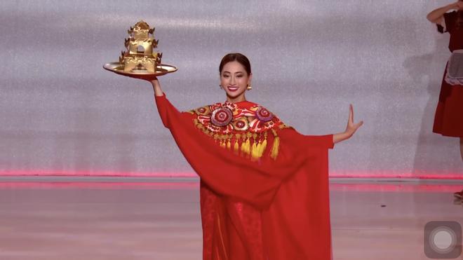 Clip: Lương Thùy Linh cực xuất sắc trong màn trình diễn múa mâm, chính thức lọt vào top 40 Miss World 2019 - ảnh 1