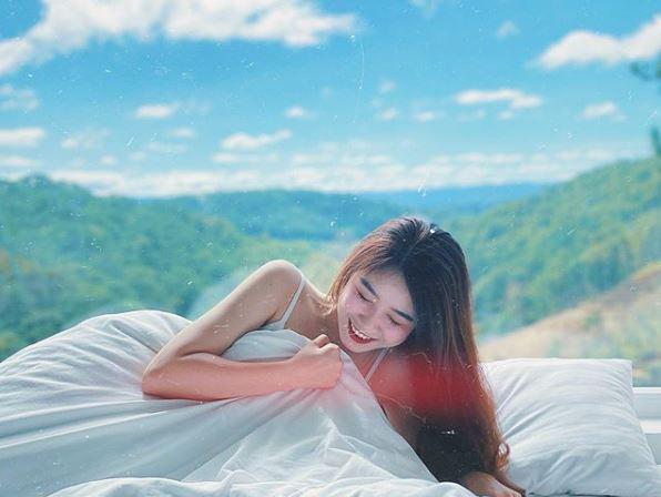 Nhung Bum đăng ảnh quyến rũ với váy ngủ, fan lập tức soi ra Văn Toàn chính là nhiếp ảnh gia - ảnh 1