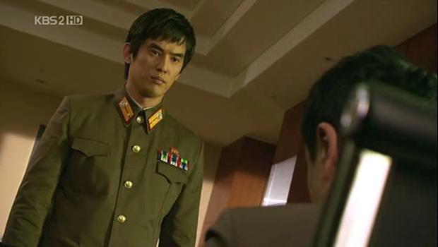 Các chị rần rần đòi bắt hội anh em Triều Tiên trong phim Hàn Crash Landing On You về nuôi vì quá đáng yêu - ảnh 1