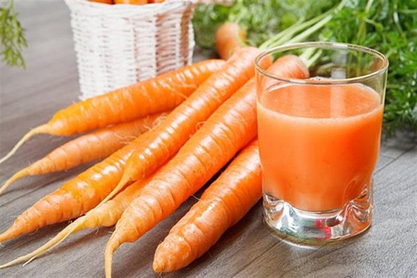 Bác sĩ cảnh báo: Cà rốt rất tốt, nhưng ăn với những thực phẩm này rất dễ gây hại cho cơ thể - ảnh 2