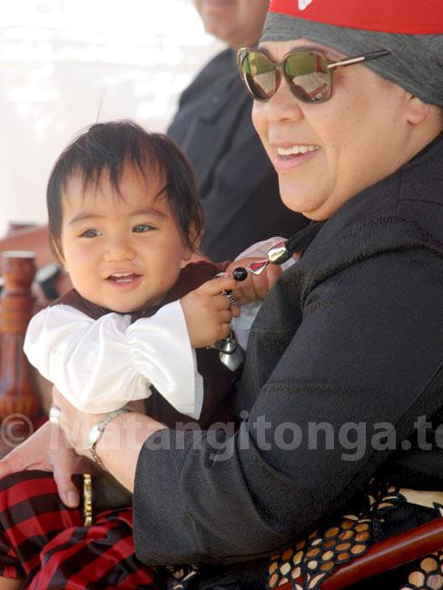 Chân dung tiểu hoàng tử Tonga: Mới sinh ra nắm trong tay vận mệnh của một hoàng gia, càng lớn càng khiến người hâm mộ phát cuồng - ảnh 3