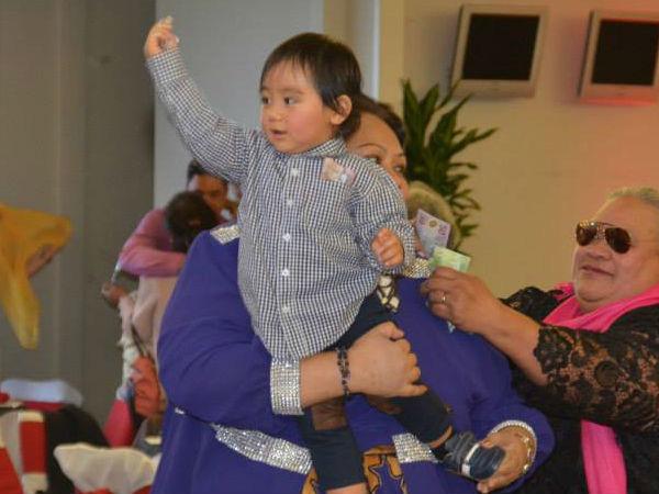 Chân dung tiểu hoàng tử Tonga: Mới sinh ra nắm trong tay vận mệnh của một hoàng gia, càng lớn càng khiến người hâm mộ phát cuồng - ảnh 8