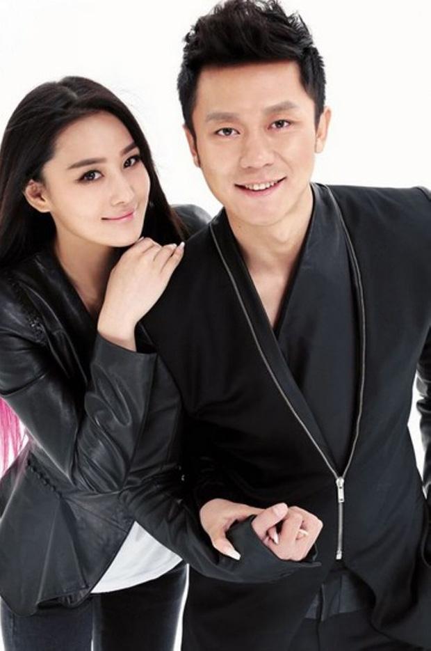 """Những mối quan hệ showbiz khó xử hậu chia tay: Taeyeon - Baekhyun có """"dễ thở"""" hơn Lý Tiểu Lộ - Giả Nãi Lượng? - Ảnh 11."""
