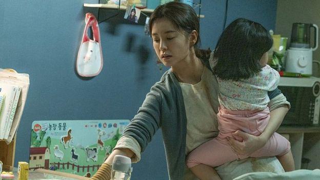 Thế hệ phụ nữ Hàn Quốc sợ lấy chồng: Lương thấp, áp lực con nhỏ và công việc từ sự kỳ thị giới tính đã ăn quá sâu - ảnh 8