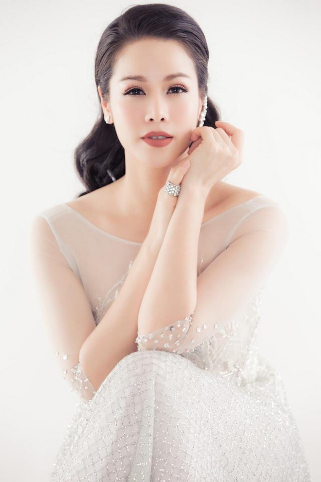 """Nhật Kim Anh: Từ một tuổi thơ lắm truân chuyên đến nữ diễn viên """"không tuổi"""" của màn ảnh Việt - Ảnh 4."""