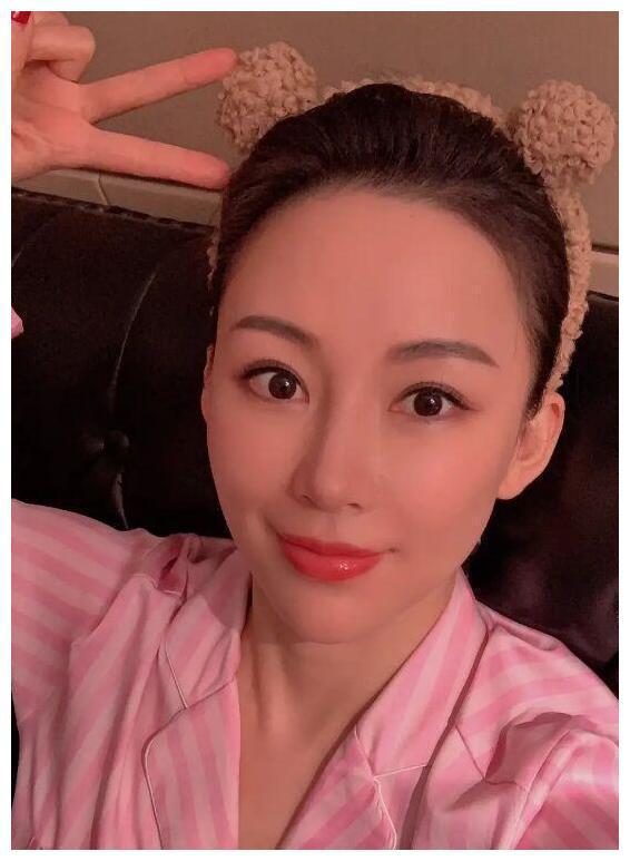 Chân dung nữ VĐV giàu có nhất Trung Quốc: Gần bước sang tuổi tứ tuần nhưng nhìn như đôi mươi, vẫn đang chờ một đấng nam nhi đủ tầm để lên xe hoa - Ảnh 5.