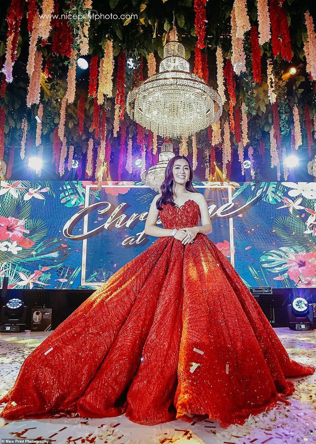 Bất ngờ với thân thế chiếc váy tại tiệc sinh nhật 18 tuổi của rich kid hàng đầu Philippines - ảnh 2
