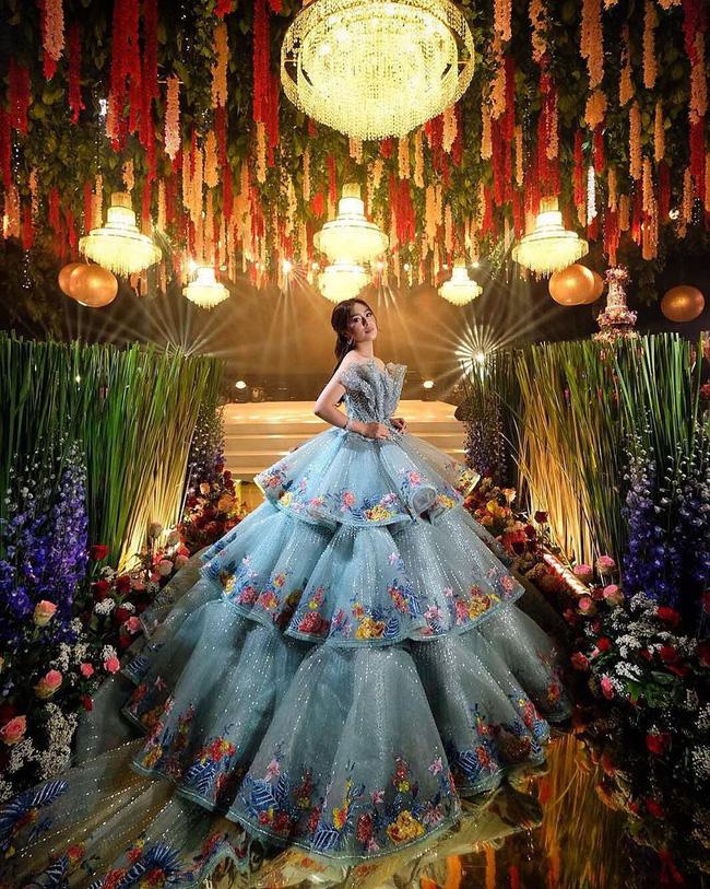 Bất ngờ với thân thế chiếc váy tại tiệc sinh nhật 18 tuổi của rich kid hàng đầu Philippines - ảnh 3