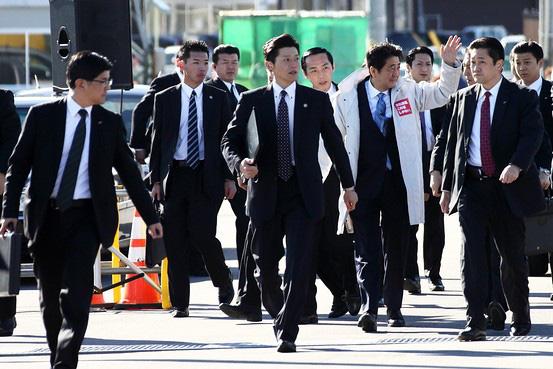 Người Nhật và cơn ám ảnh về... lông mũi: Là đàn ông đích thực, lông mũi phải cắt mỗi tuần - ảnh 1