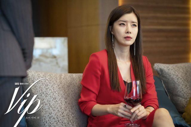 Review Vị Khách Vip: Kì án ngoại tình hấp dẫn nhất màn ảnh Hàn, tóm được tiểu tam lại thấp thỏm chờ Jang Nara trả thù - ảnh 8