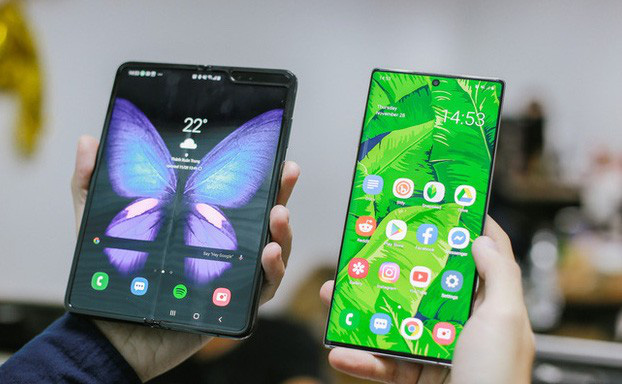 Giá 50 triệu đắt hơn cả iPhone 11 Pro Max, vì sao Galaxy Fold vẫn cháy hàng ở Việt Nam và ai là người mua? - ảnh 1