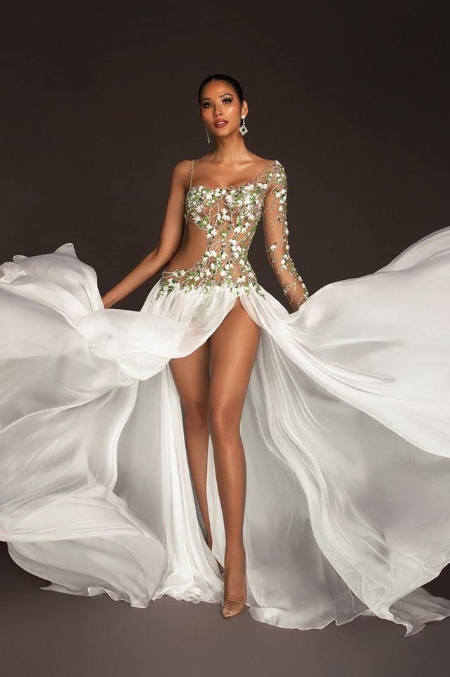 Hoàng Thùy mặc váy hoa giọt tuyết của Công Trí, diễn cuối nhưng đầy ấn tượng tại Bán kết Miss Universe 2019 - ảnh 6