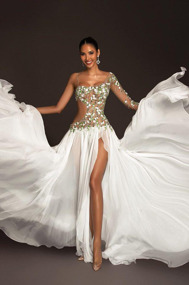 Hoàng Thùy mặc váy hoa giọt tuyết của Công Trí, diễn cuối nhưng đầy ấn tượng tại Bán kết Miss Universe 2019 - ảnh 7