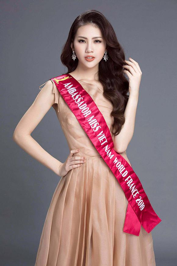Khánh Vân là học trò thứ 3 của Hoa hậu Hương Giang được vinh danh ở đấu trường nhan sắc! - ảnh 3