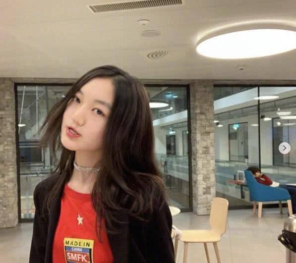 Đáp trả tin đồn ăn chơi vô độ, con gái Vương Phi gây sốt với học lực ấn tượng tại trời Tây khi mới 13 tuổi - Ảnh 1.