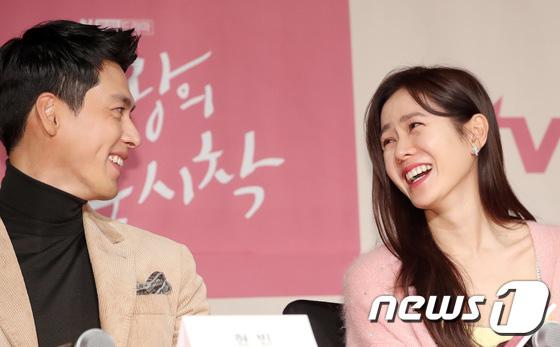 Sự kiện ngược đời: Nữ thần Son Ye Jin lu mờ trước nữ phụ cực sang chảnh, lộ khoảnh khắc cực tình với Hyun Bin - ảnh 17