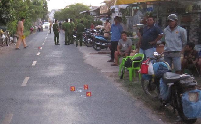 Bé trai 2 tuổi bị tông tử vong khi chạy ngang qua đường - ảnh 1