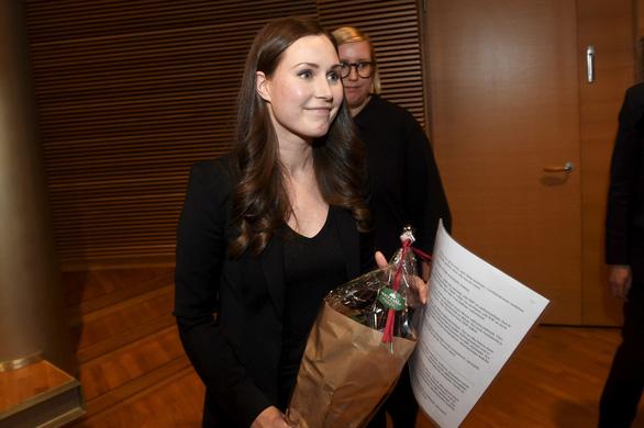 Nữ thủ tướng trẻ nhất Phần Lan gây sốt dư luận: Một bà mẹ bỉm sữa xinh đẹp cùng góc khuất gia đình ít ai biết - ảnh 1