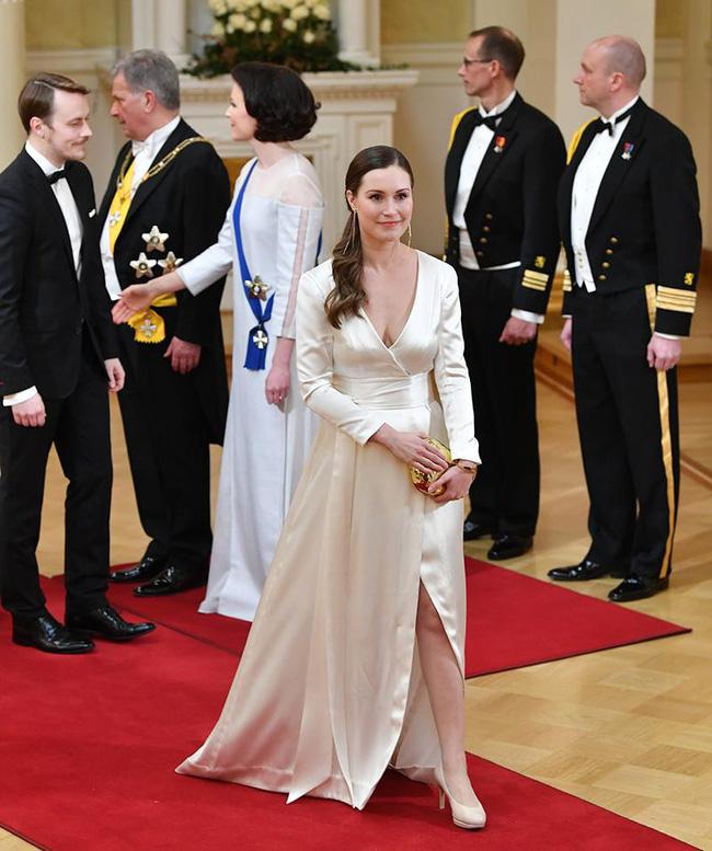Nữ thủ tướng trẻ nhất Phần Lan gây sốt dư luận: Một bà mẹ bỉm sữa xinh đẹp cùng góc khuất gia đình ít ai biết - ảnh 4