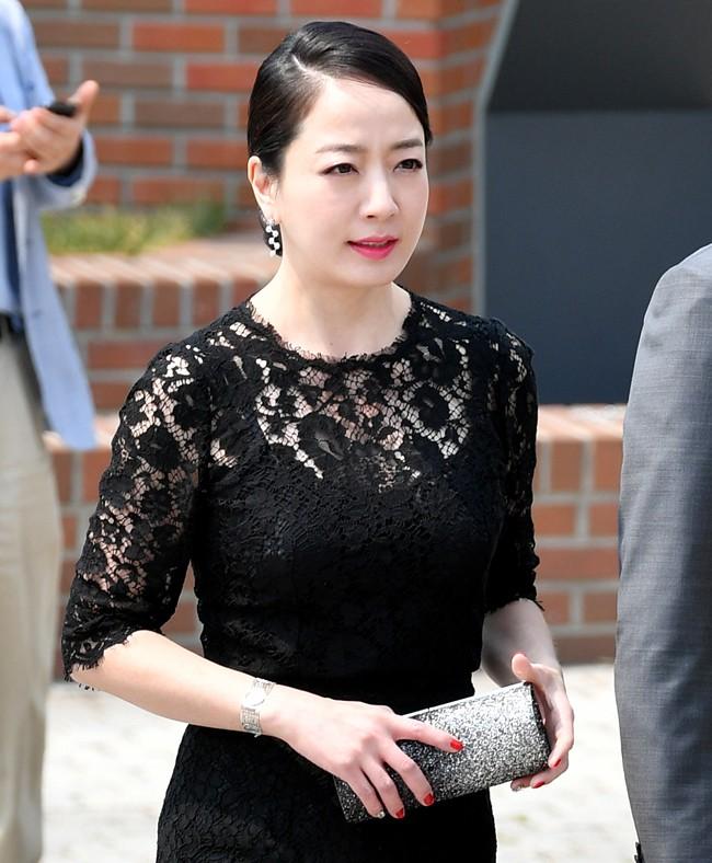 Cuộc sống làm dâu của sao nữ châu Á lấy nhà tài phiệt lừng danh: Đầy thị phi, đáng bội phục nhất là người cuối - ảnh 3